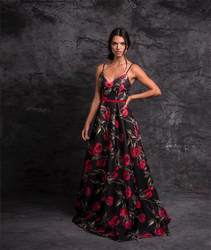 vestido-fondo-negro-estampado-de-flores